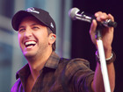 Luke Bryan will sing Super Bowl national anthem