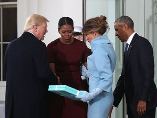 Trump gives Obama a Tiffany & Co. gift