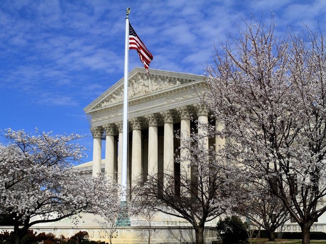 Supreme Court holds up on redrawing WI districts
