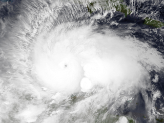 Early Atlantic hurricane forecasts fewer storms