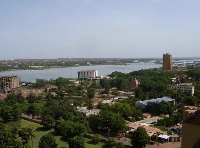 Suspected jihadists attack popular resort in Mali's capital