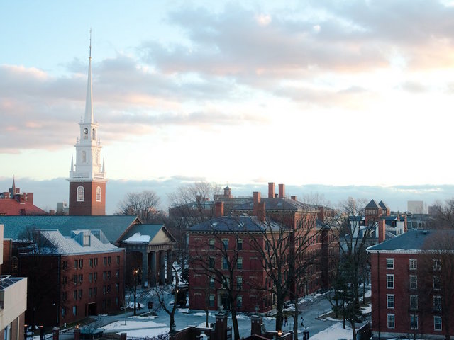 Harvard Considers Eradicating Social Clubs to Fight Sex Discrimination