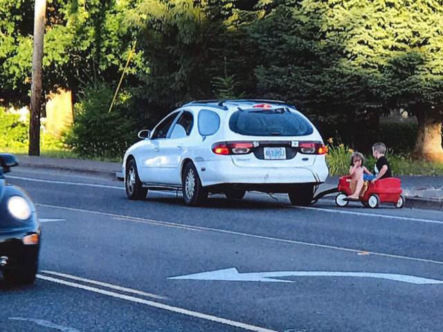 OR woman arrested for towing kids in little red wagon
