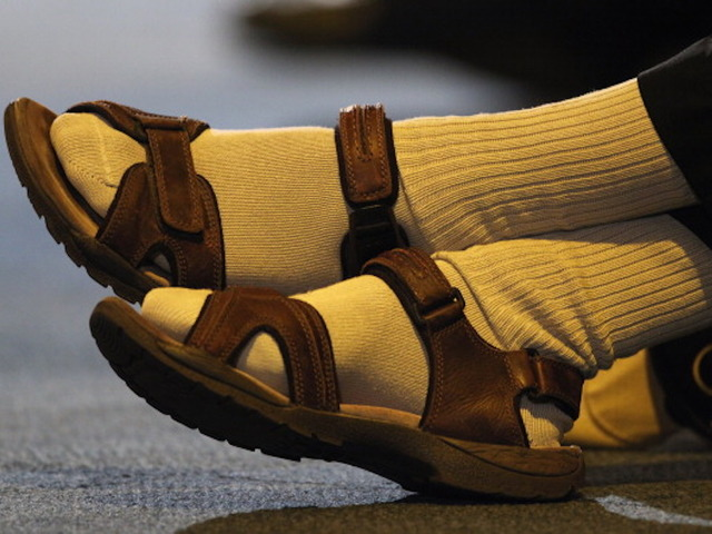 Bus passenger arrested in India over smelly socks
