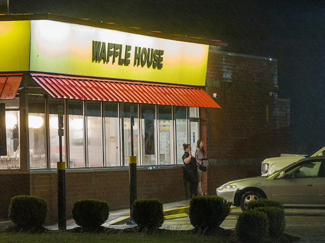 Waffle House visitor finds employee asleep, cooks his own meal
